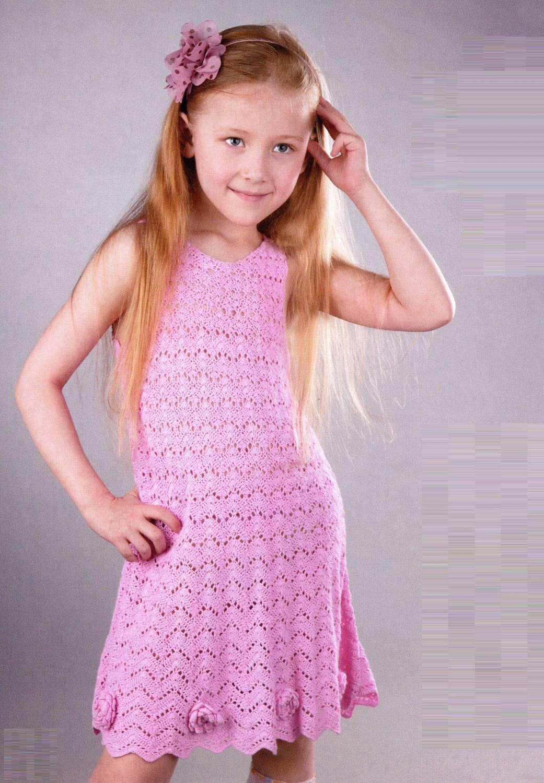 Летний топ для девочки, вязаный крючком.Возраст: на 4-5 лет. .  Летнее платье для девочки из хлопчатобумажной пряжи.